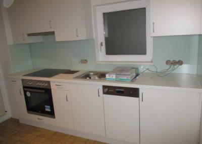 Küche weiß Schublade unter dem Backrohr 002